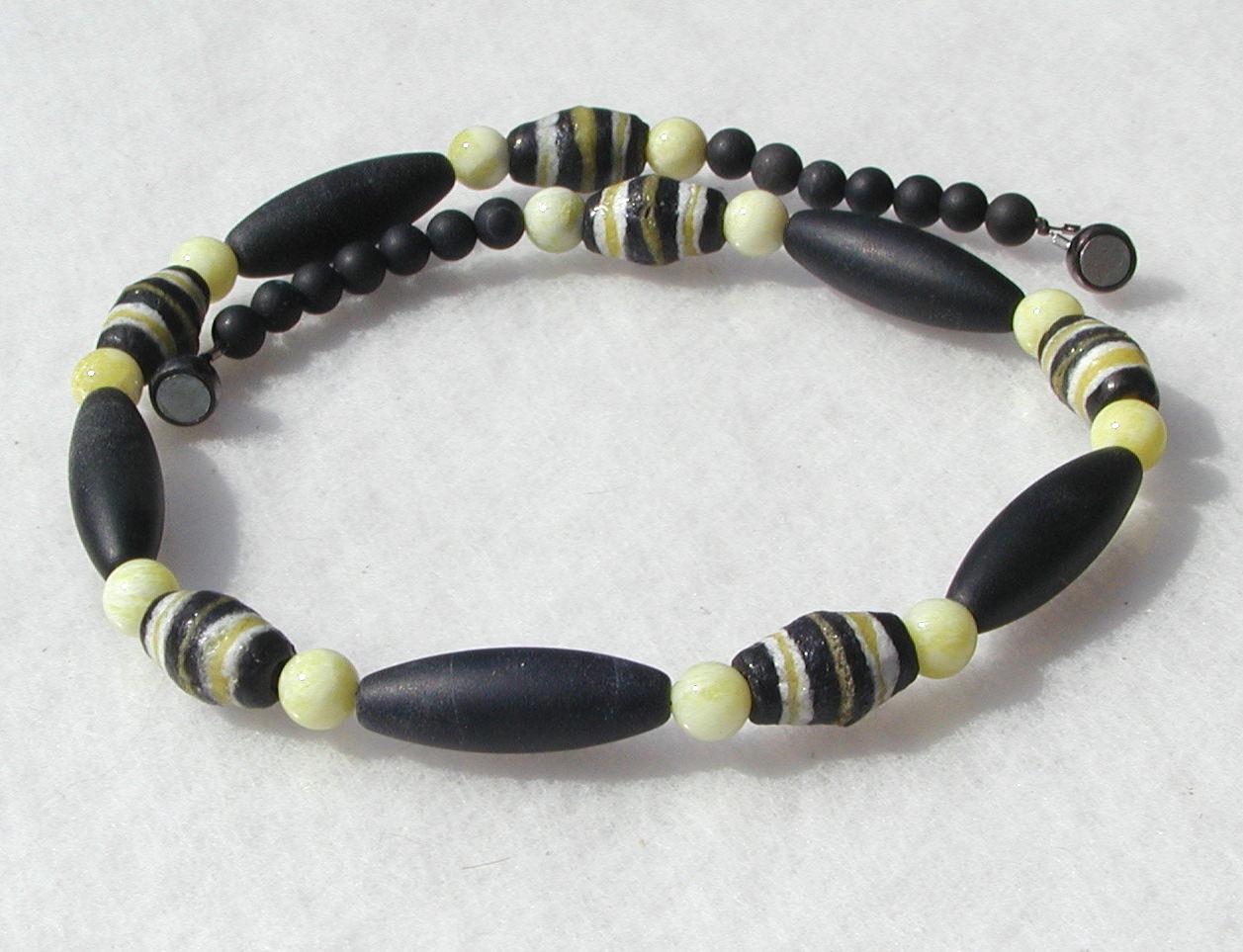 - extravagante Halskette Afrika SCHWARZ-GELB Onyx Lemon-Jade afrikanische Krobo-Perlen Unikat - extravagante Halskette Afrika SCHWARZ-GELB Onyx Lemon-Jade afrikanische Krobo-Perlen Unikat