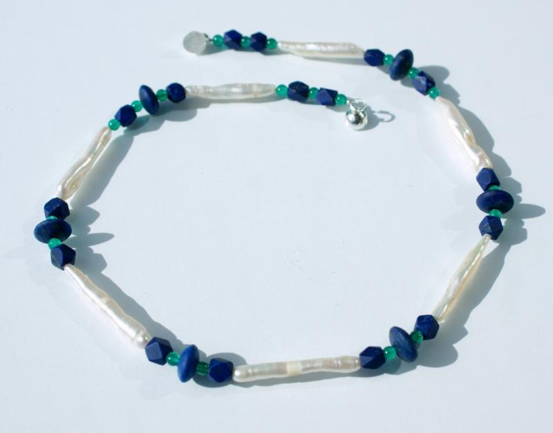 - zauberhafte Halskette mit ZUCHTPERLEN und LAPIS - zauberhafte Halskette mit ZUCHTPERLEN und LAPIS