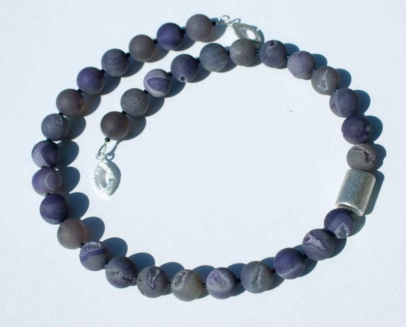 Kleinesbild - Kette  UNDERSTATEMENT  Drusen- Achat 925er Silber Geoden Kristalle Unikat Steinschmuck elegant schlicht dunkel violett  estravagant