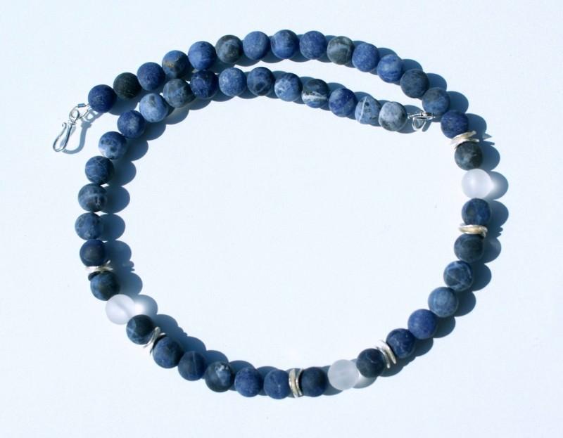 Kleinesbild - schmale Kette SODALITH Bergkristal mattiert 925er Silber Steinschmuck blau silber elegant