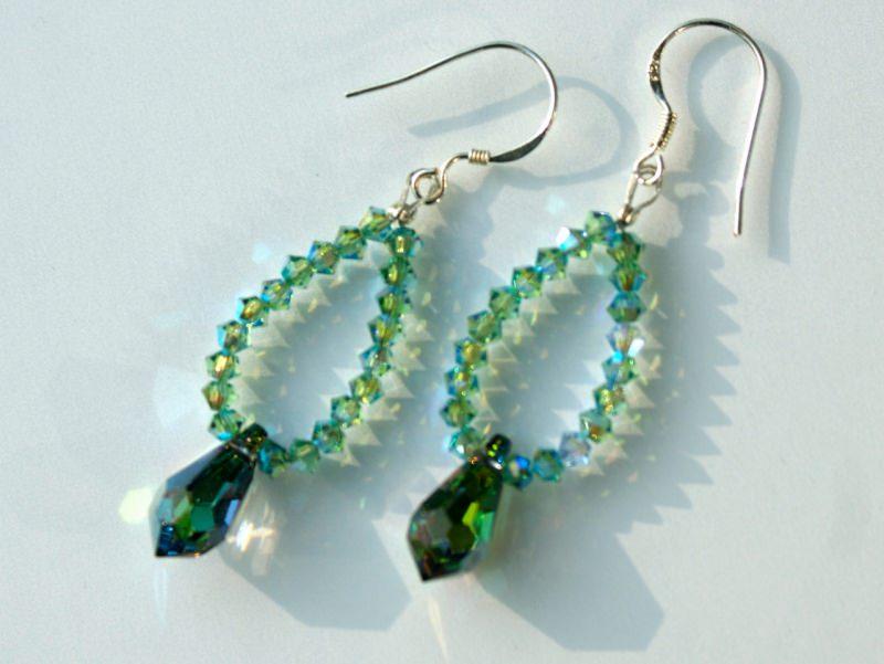 Kleinesbild - Ohrhänger TROPFEN grün vitrail Mini-Kristalle Kristalltropfen 925er Silber Unikat romantisch ausgefallen