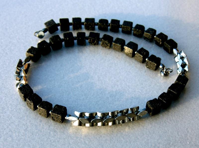 Kleinesbild - Männerkette LAVA Hämatit Würfel schwarz silbergrau ausgefallen sachlich maskulin Design