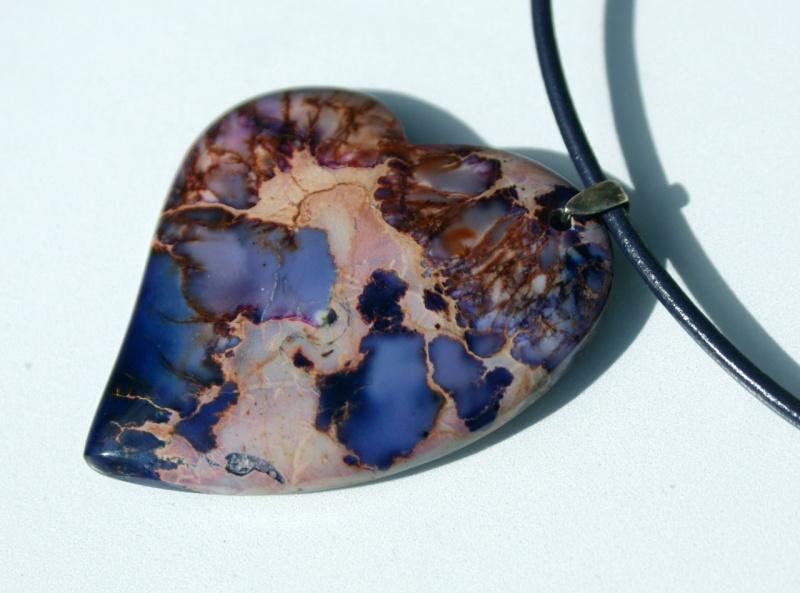 Kleinesbild - Anhänger SCHRÄGES HERZ 1 Sediment-Jaspis lila violett  Lederband Unikat