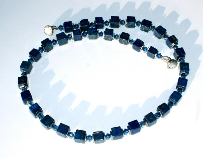 Kleinesbild - Halskette LAPIS in WÜRFELN Lapislazuli Hämatit Kristall schmal dunkelblau elegant dezent