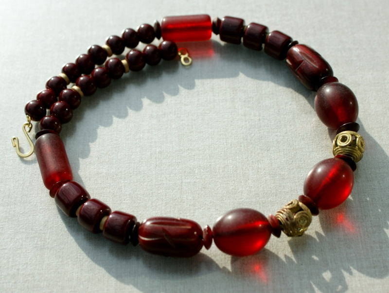- Halskette MARSALA afrikanische Perlen Keramik Messing Horn ethno weinrot  - Halskette MARSALA afrikanische Perlen Keramik Messing Horn ethno weinrot