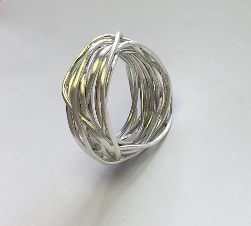 Schmuck : Silberring aus Draht gewickelt Goldschmiedearbeit ...