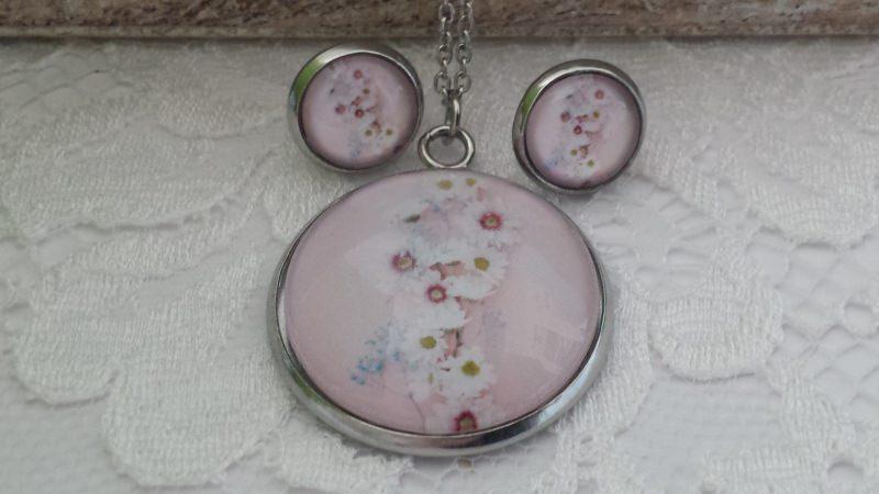Kleinesbild - Blumen Schmuckset weiße Blumenranke Glascabochon Schmuck Kette mit Ohrsteckern aus Edelstahl Geschenk Frauen Freundin