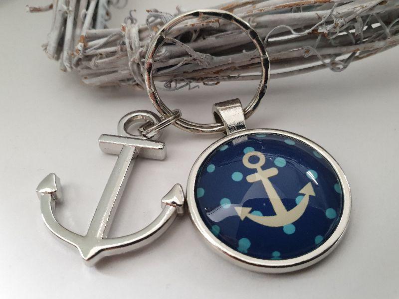 Kleinesbild - Anker Schlüsselanhänger mit Punkten maritim handgefertigter Glascabochonanhänger mit Anker Anhänger Geschenk Frauen Freundin