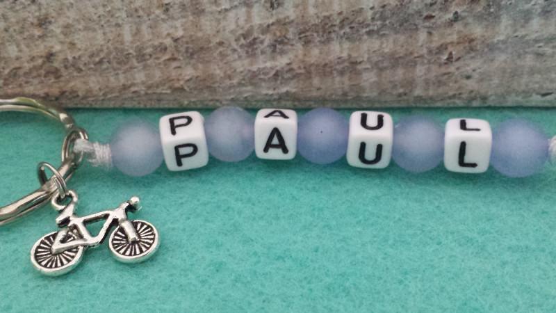 Kleinesbild - Kinder Schlüsselanhänger mit Namen bunte Perlen handgefertigt für Kinder als tolles Geschenk Kindergeburtstag 1 Stück