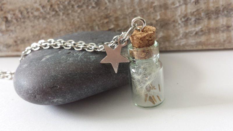 Kleinesbild - Glasflaschen Kette mit Pusteblumen handgefertigt Geschenk Frauen Freundin Erinnerung Trostspender Trauer