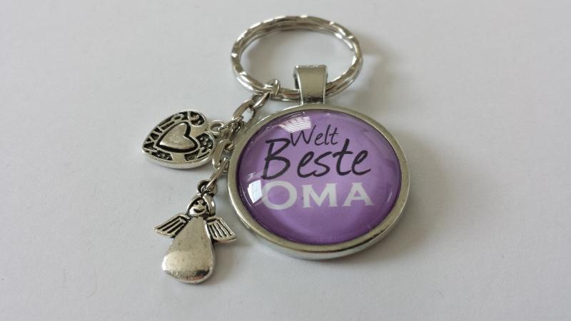 Kleinesbild - Beste Oma Schlüsselanhänger handgefertigter Glascabochonanhänger mit Metallanhängern Dankeschön Geschenk Omi Großmutter