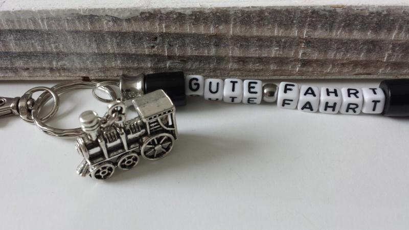 Kleinesbild - Glücksbringer Gute Fahrt Lokomotive Eisenbahn handgefertigter Schlüsselanhänger für Fans von Dampflokomotiven Geschenk Männer