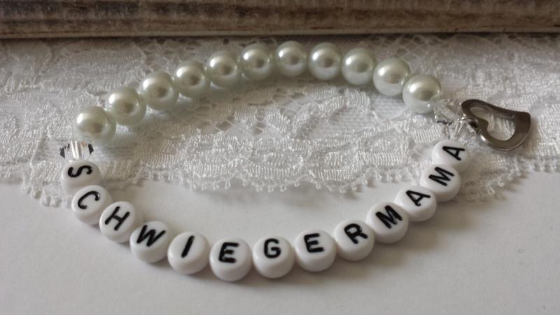 Kleinesbild - Schwiegermama Armband handgefertigt Glaswachsperlen Herzanhänger aus Edelstahl Geschenk Muttertag Frauen zum Dankesagen Hochzeit