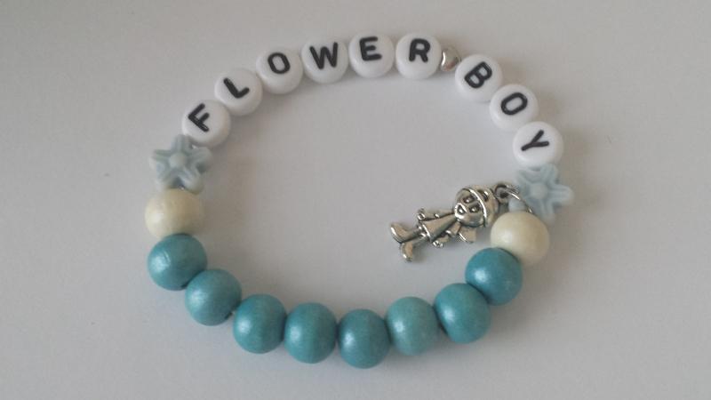 - Flower Boy Blumenjunge allerliebstes handgefertigtes elastisches Kinderarmband als Geschenk für ein Blumenkind zur Hochzeit  - Flower Boy Blumenjunge allerliebstes handgefertigtes elastisches Kinderarmband als Geschenk für ein Blumenkind zur Hochzeit