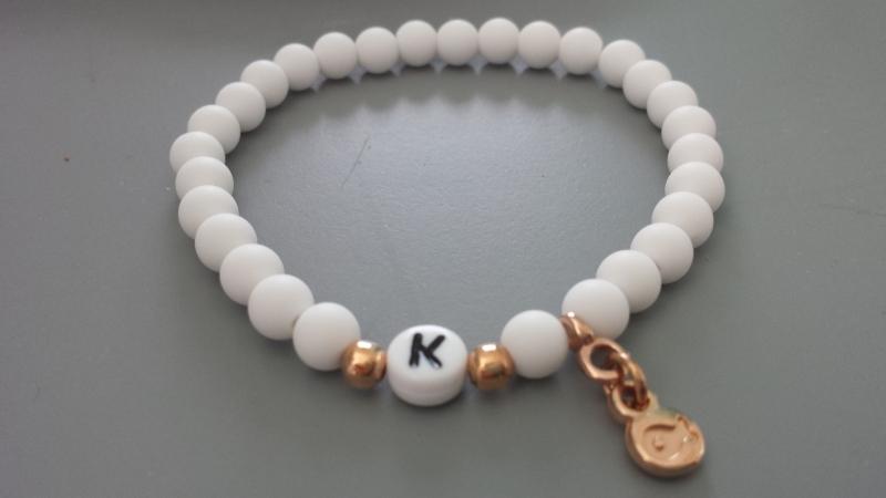 Kleinesbild - Initialen Armband mit Fisch personalisierbar handgefertigt Geschenk Frauen Mädchen Freundschaft Kommunion Konfirmation