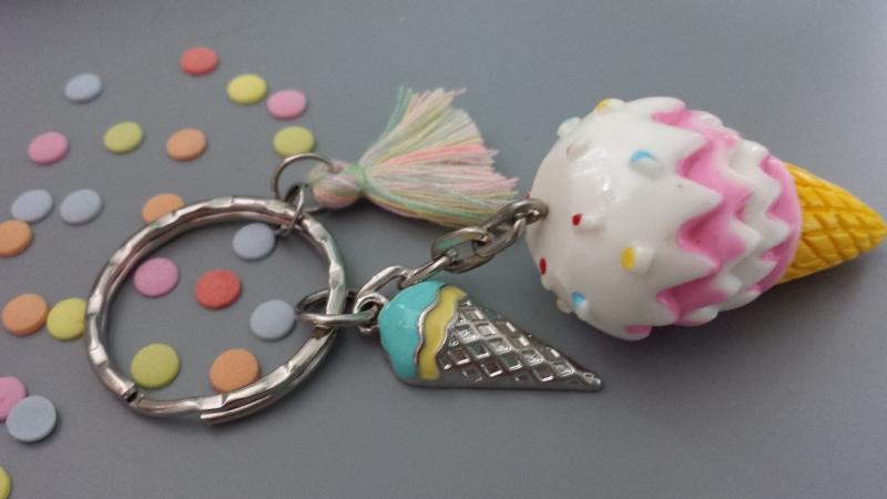 Kleinesbild - Eis Eiswaffel Schlüsselanhänger tolles Accessoire für die heiße Sommerzeit als Geschenk  Schulanfang oder Gutschein zum Eisessen