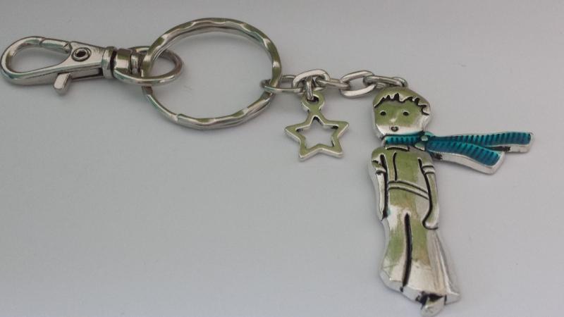 Kleinesbild - Kleiner Junge mit Stern Schlüsselanhänger Märchen Prinz mit Sternenanhänger Geschenk Frauen Erinnerung Sternenkind Trauer Trostspender