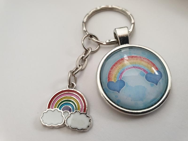 Kleinesbild - Regenbogen Rainbow Schlüsselanhänger Glascabochon Geschenkset Partner Frauen Kinder Abschied Kindergarten Schule Danke Erzieherin