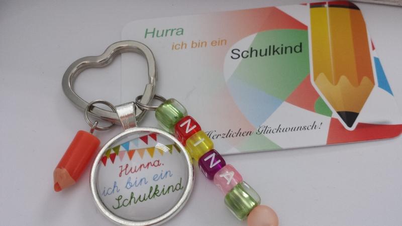 Kleinesbild - Einschulungsgeschenk mit Namen für Mädchen Schlüsselanhänger mit Buchstabenperlen Glücksbringer zum 1.Schultag Geschenk Schulanfang