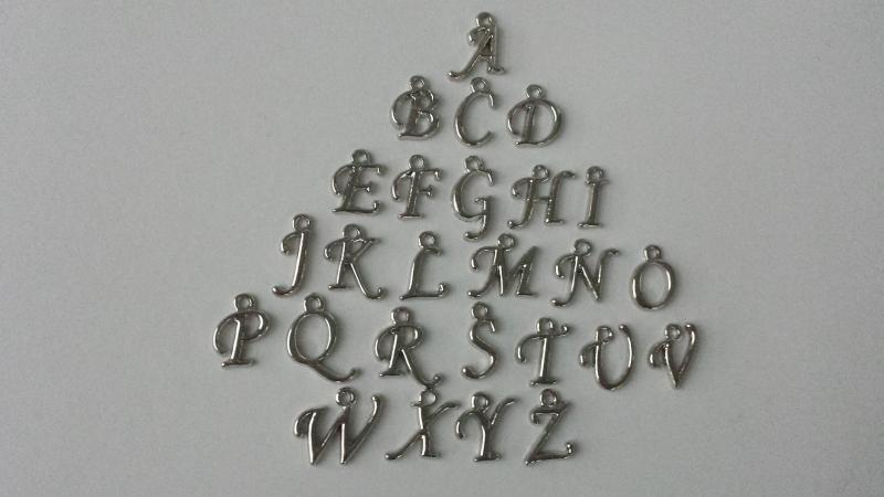 Kleinesbild - Allerliebste Freundinnen Schlüsselanhänger 2er Set mit Initialen handgefertigt mit Buchstaben Charms Geschenk Freundschaft Frauen Freundin Schwester