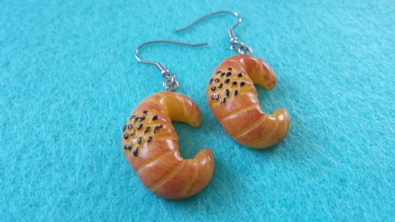 Kleinesbild - Croissant Hörnchen Ohrhänger handgefertigt Geschenk für Frauen Freundin Mädchen Ohrschmuck Backwaren