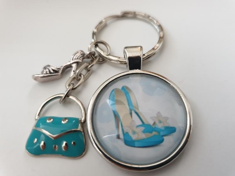 Kleinesbild - Pumps mit Handtasche Schlüsselanhänger handgefertigter Glascabochonanhänger mit Metallanhänger Pumps und Handtasche Geschenk Frauen Freundin Shopping