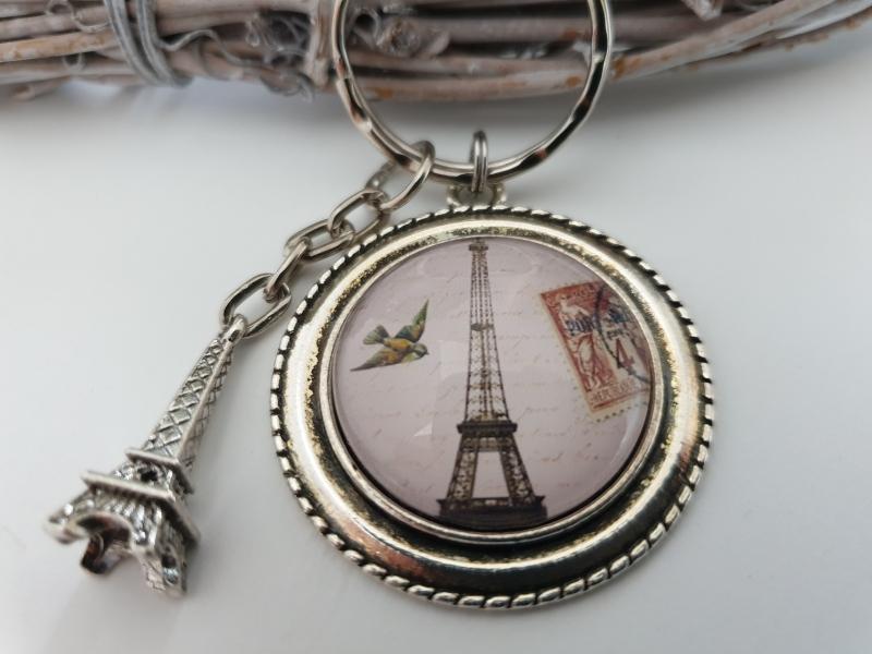 Kleinesbild - Eiffelturm Paris Schlüsselanhänger handgefertigt mit Metallanhänger Geschenk zum Abschied Urlaub Frauen Männer