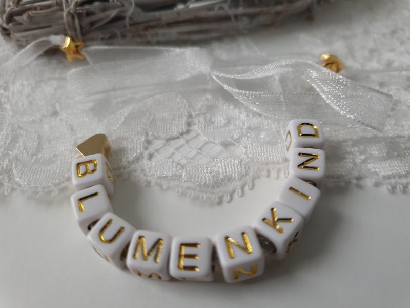 Kleinesbild - Niedliches Armband für das Blumenkind Hochzeit Buchstaben Perlen zum Binden handgefertigt Herz Geschenk Mädchen Blumen streuen