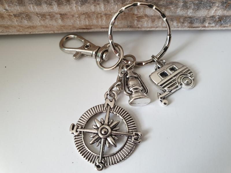 Kleinesbild - Camper Wohnwagen Kompass Schlüsselanhänger tolles Accessoire Geschenk Glücksbringer Urlaub Frauen Männer