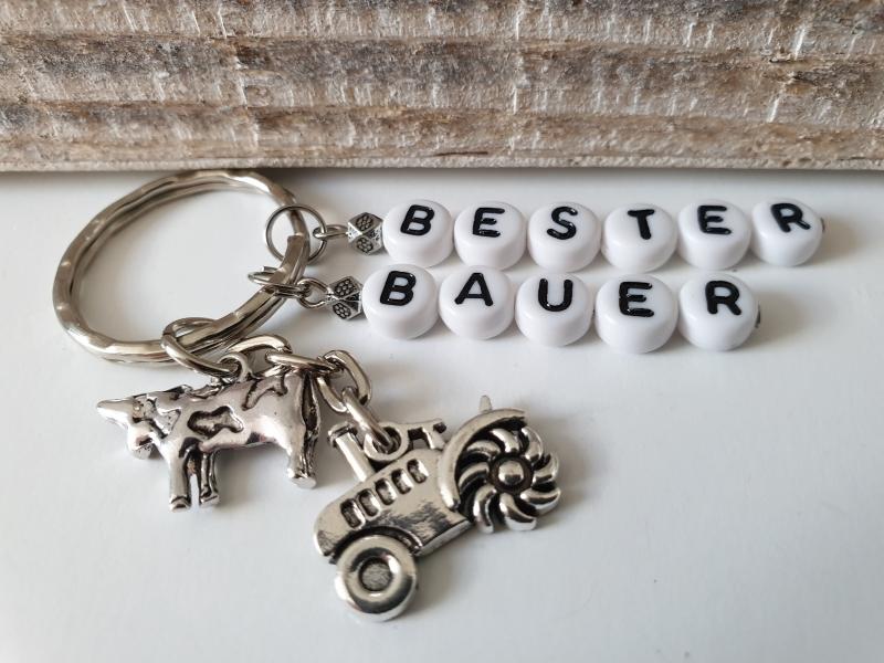 Kleinesbild - Bester Bauer Traktor Schlüsselanhänger handgefertigt mit Buchstabenperlen Anhänger Kuh Rind Geschenk Männer Freund Bauernhof Farm
