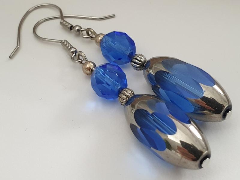 Kleinesbild - Ohrhänger Glasperlen blau handgefertigt Geschenk für Frauen Freundin Mama Geburtstag Jahrestag
