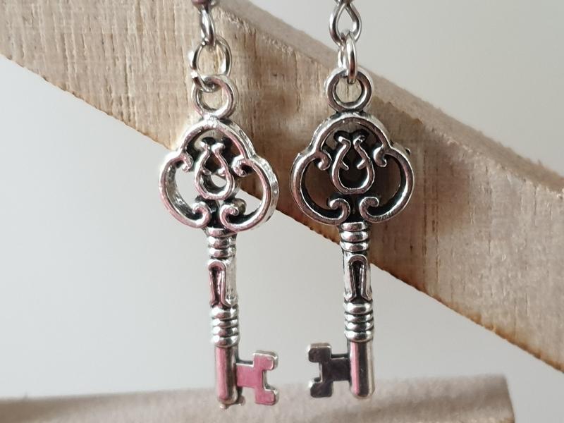 Kleinesbild - Schlüssel Ohrhänger silberfarben Geschenk für Frauen Mädchen Freundin