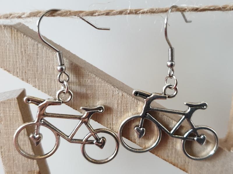Kleinesbild - Fahrrad Ohrhänger silberfarben Geschenk für Frauen Mädchen Freundin Rennrad Glücksbringer Radsport