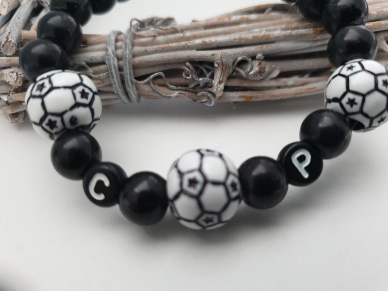 Kleinesbild - Fußball Armband personalisierbar handgefertigt mit Initialen Geschenk Frauen Männer Kinder Fußballfan