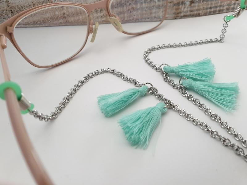 Kleinesbild - Brillenkette mit Quasten Troddeln handgefertigt Geschenk für Frauen Freundin Mama Oma Urlaub Sommer