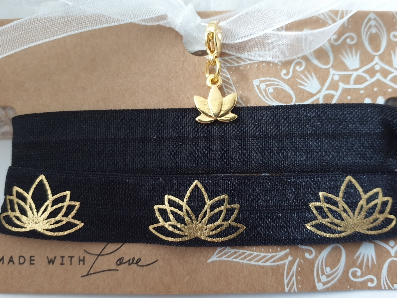 Kleinesbild - Lotusblüte Haargummi Armband 2-er Set mit Charms Hairties Geschenk Frauen Freundin Yoga Namaste Geschenkset