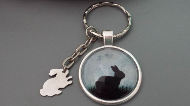 Kleinesbild - Hase Kaninchen Schlüsselanhänger Glascabochonanhänger handgefertigt mit Edelstahlanhänger Hase Geschenk Frauen Männer Jäger