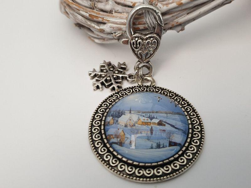 Kleinesbild - Dorf Winter Landschaft Schlüsselanhänger Glascabochon handgefertigt mit Snowflake Schneeflocken Anhänger Geschenk Frauen Winter