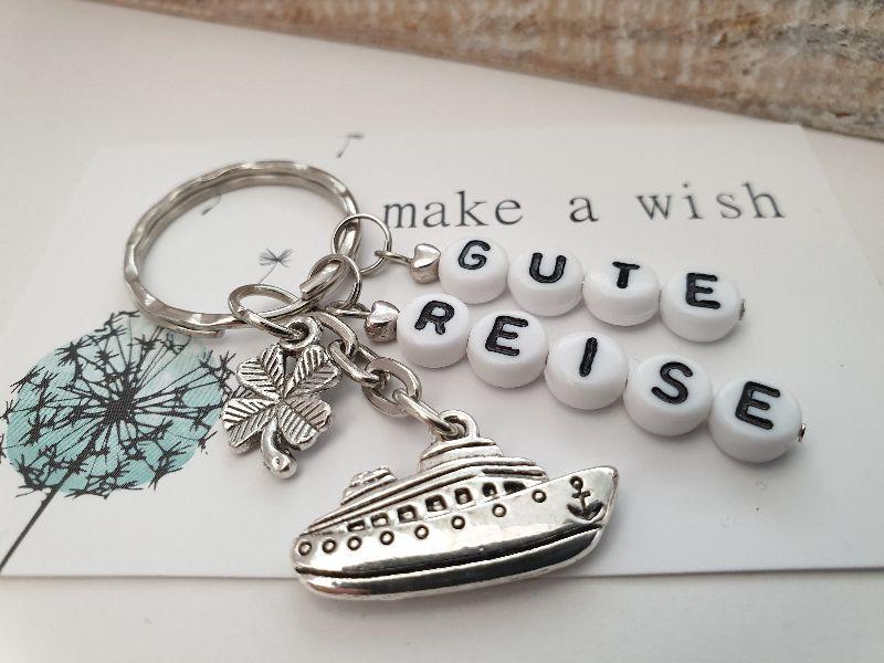 - Glücksbringer Gute Reise Kreuzfahrt Schlüsselanhänger handgefertigt mit Buchstabenperlen und Kärtchen als Geschenk zum Abschied Schiffsreise - Glücksbringer Gute Reise Kreuzfahrt Schlüsselanhänger handgefertigt mit Buchstabenperlen und Kärtchen als Geschenk zum Abschied Schiffsreise