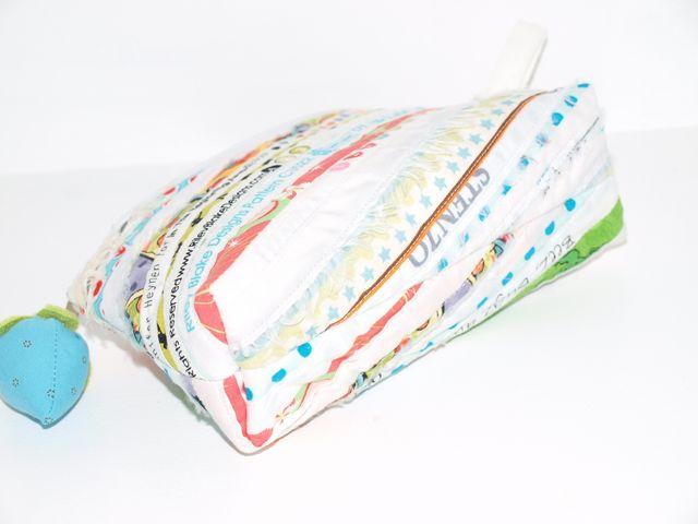 Kleinesbild - Schminktäschchen  Dua Patchwork Täschchen, Universaltäschchen aus Webkanten handgemacht