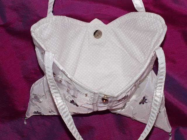 Kleinesbild - Täschchen Mariposa weißes Täschchen handgemacht Kommunion Konfirmation Brauttasche