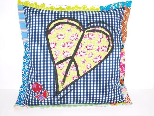 - Kissenbezug Herz upcycling Kissenhülle handgemacht aus Baumwollstoffen - Kissenbezug Herz upcycling Kissenhülle handgemacht aus Baumwollstoffen