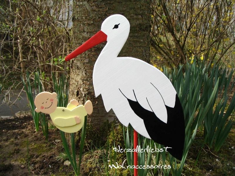 Kleinesbild - Storch (60cm aufgebaut) aus Holz mit Baby in Wunschfarbe im Schnabel