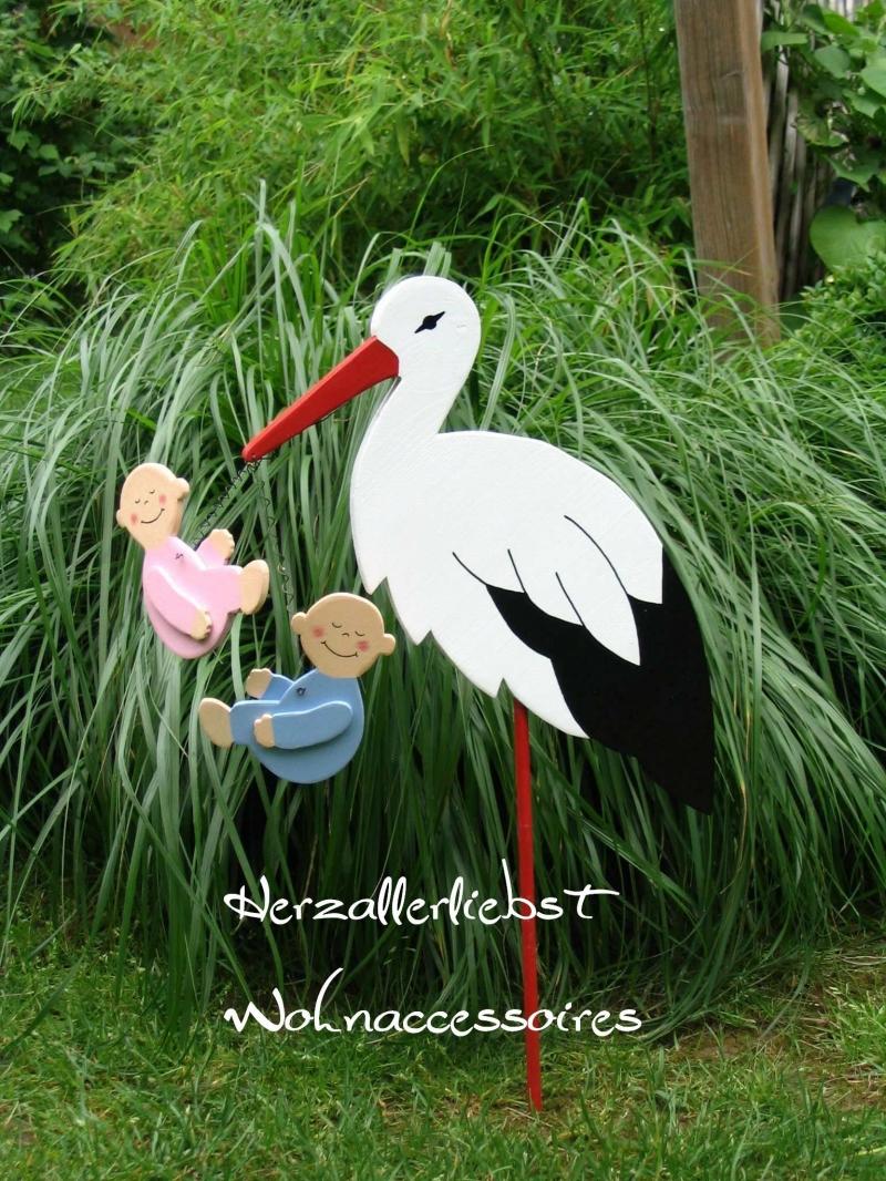 - Storch (60cm aufgebaut) aus Holz + Bodenplatte mit Zwillingen in Wunschfarbe  - Storch (60cm aufgebaut) aus Holz + Bodenplatte mit Zwillingen in Wunschfarbe