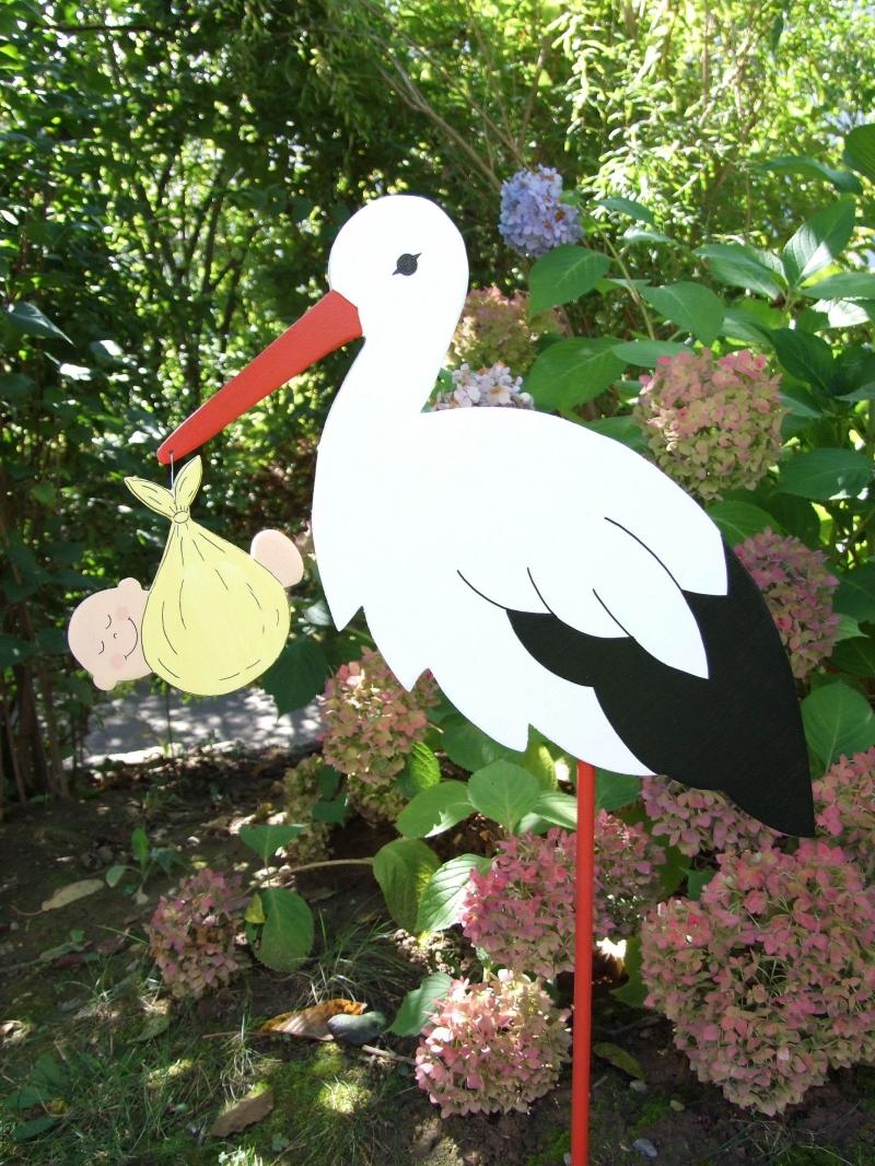 Kleinesbild - Storch (80cm aufgebaut) aus Holz mit Babybündel im Schnabel