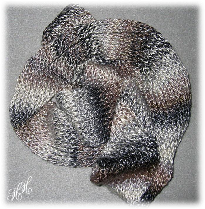Kleinesbild - Rollschal, Schlauchschal, Seidenschal, gestrickt aus Maulbeerseide