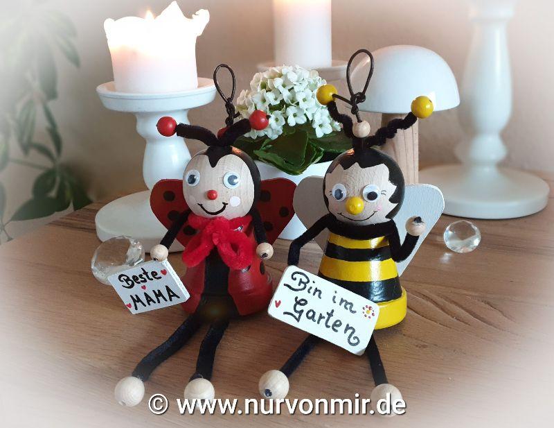 """Kleinesbild - Hummel """"Bummel"""" ♡ Dekohänger Glücksbringer handbemalt mit Spruch/Namen möglich, Love, Muttertag """"Bin im Garten"""" Tontopffigur"""