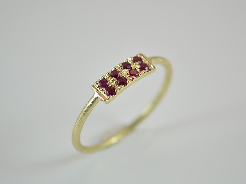 -  Goldring -Pave- zarter und zeitloser Ring aus 585er Gold mit Rubine -  Goldring -Pave- zarter und zeitloser Ring aus 585er Gold mit Rubine