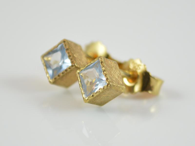 Kleinesbild - Ohrstecker -Adriana Gold- Aquamarin / 925er Silber vergoldet
