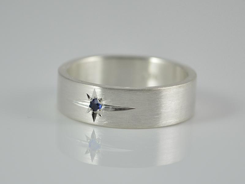 - Ring  ★Blauer Stern ★ echter Saphir / 925er Silber - handgemacht - Ring  ★Blauer Stern ★ echter Saphir / 925er Silber - handgemacht